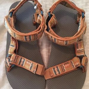 Other - Mens Teva sandals size 9 NWOB